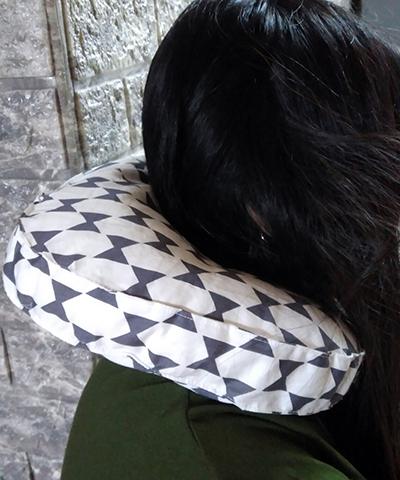 neckpilloe11.jpg